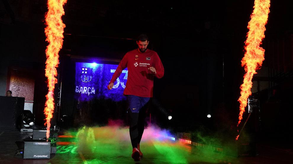 Nikola Mirotic en su presentación en la Supercopa