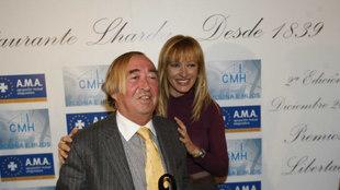 Pepe Oneto, junto a Susana Griso en una entrega de Premios