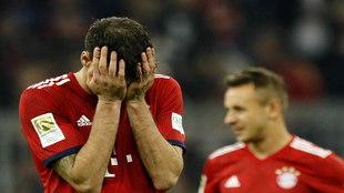 Javi Martinez se lamenta por una derrota del Bayern la pasada...