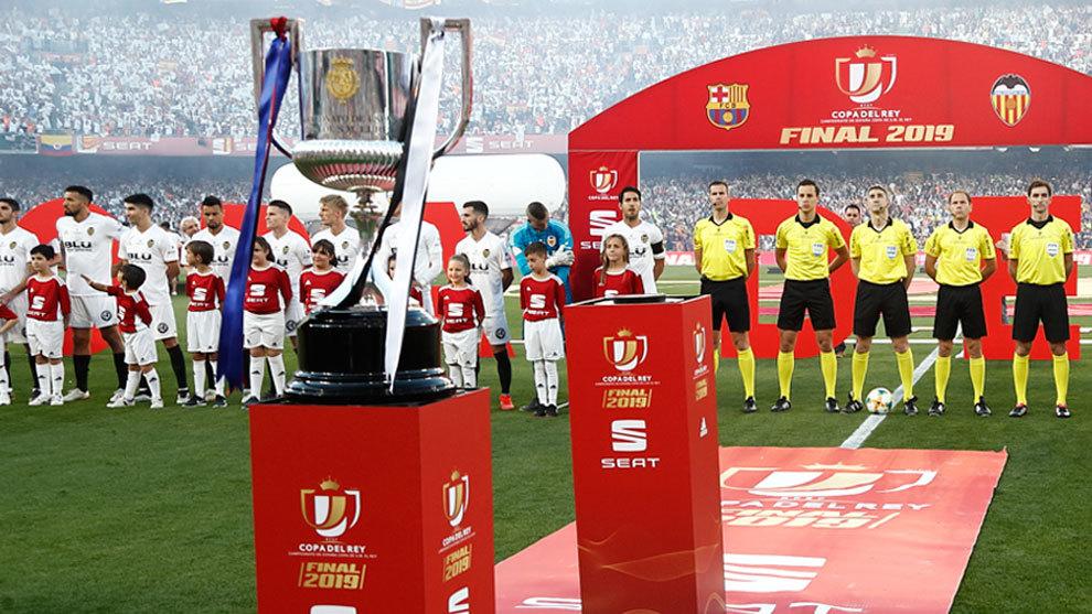 Inicio de la final de la Copa del Rey del 2019 entre el Valencia y el...