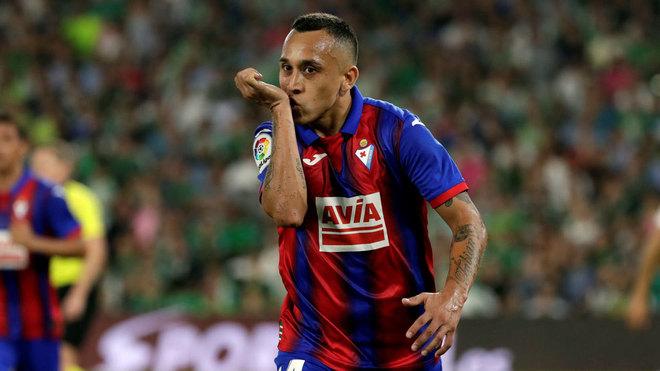 Orellana celebra su gol en el Villamarín.