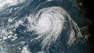 El tifón Hagibis, sobre las Islas Marianas