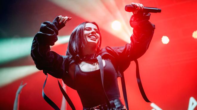 Primer álbum 'MalaSanta' de Becky G disponible desde mañana viernes