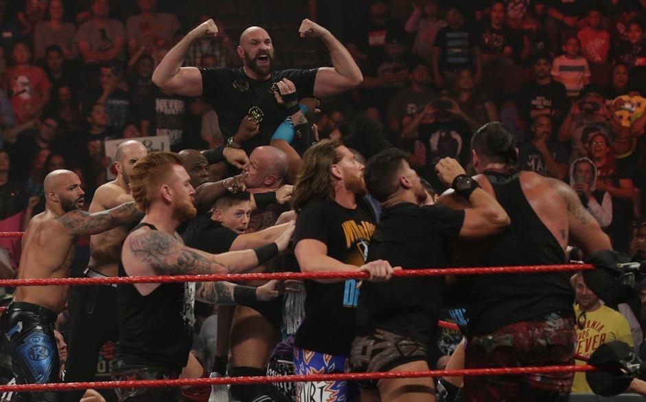 Fury y Strowman separados en Raw