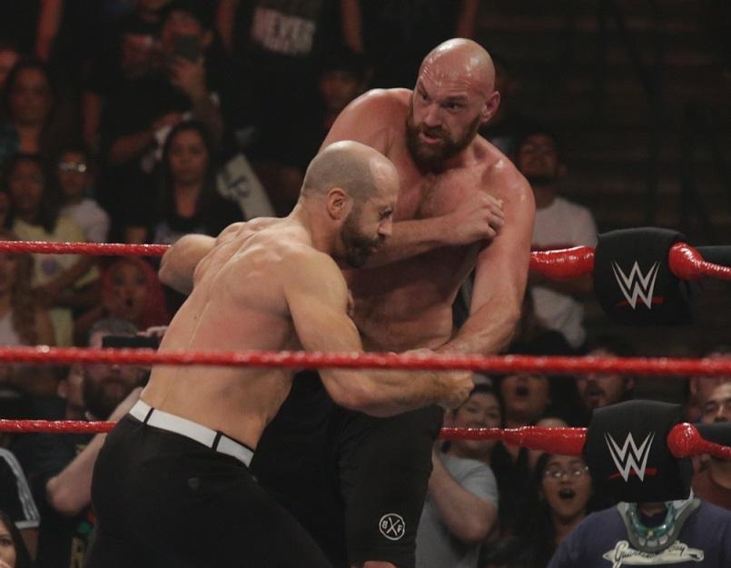 Tyson Fury deja KO a Cesaro