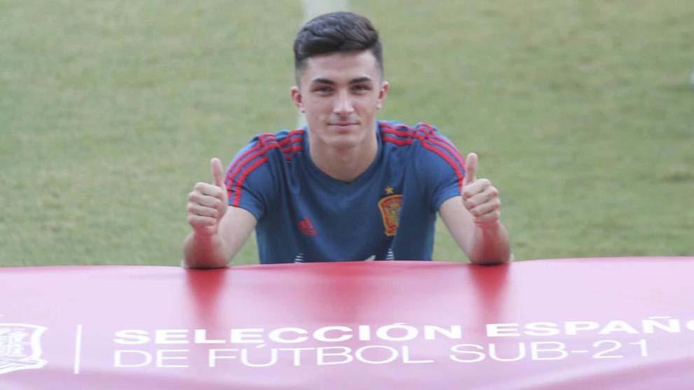 Manu García posa para MARCA en el  Nuevo Arcángel.