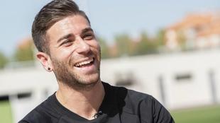 Un sonriente Embarba durante la entrevista en la Ciudad Deportiva...