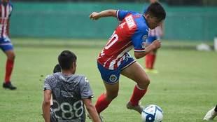 El juvenil poco a poco se gana la confianza del técnico.