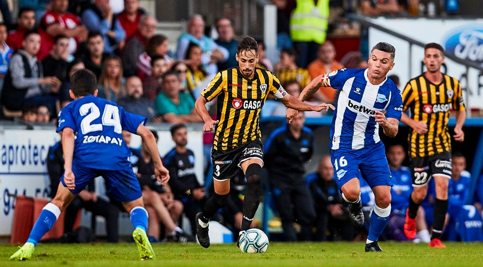 Barakaldo y Alavés disputaron el primer partido.