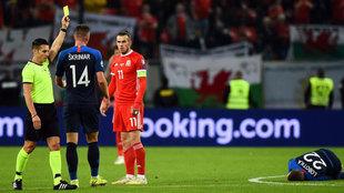 Bale ve la amarilla tras su entrada a Lobotka.