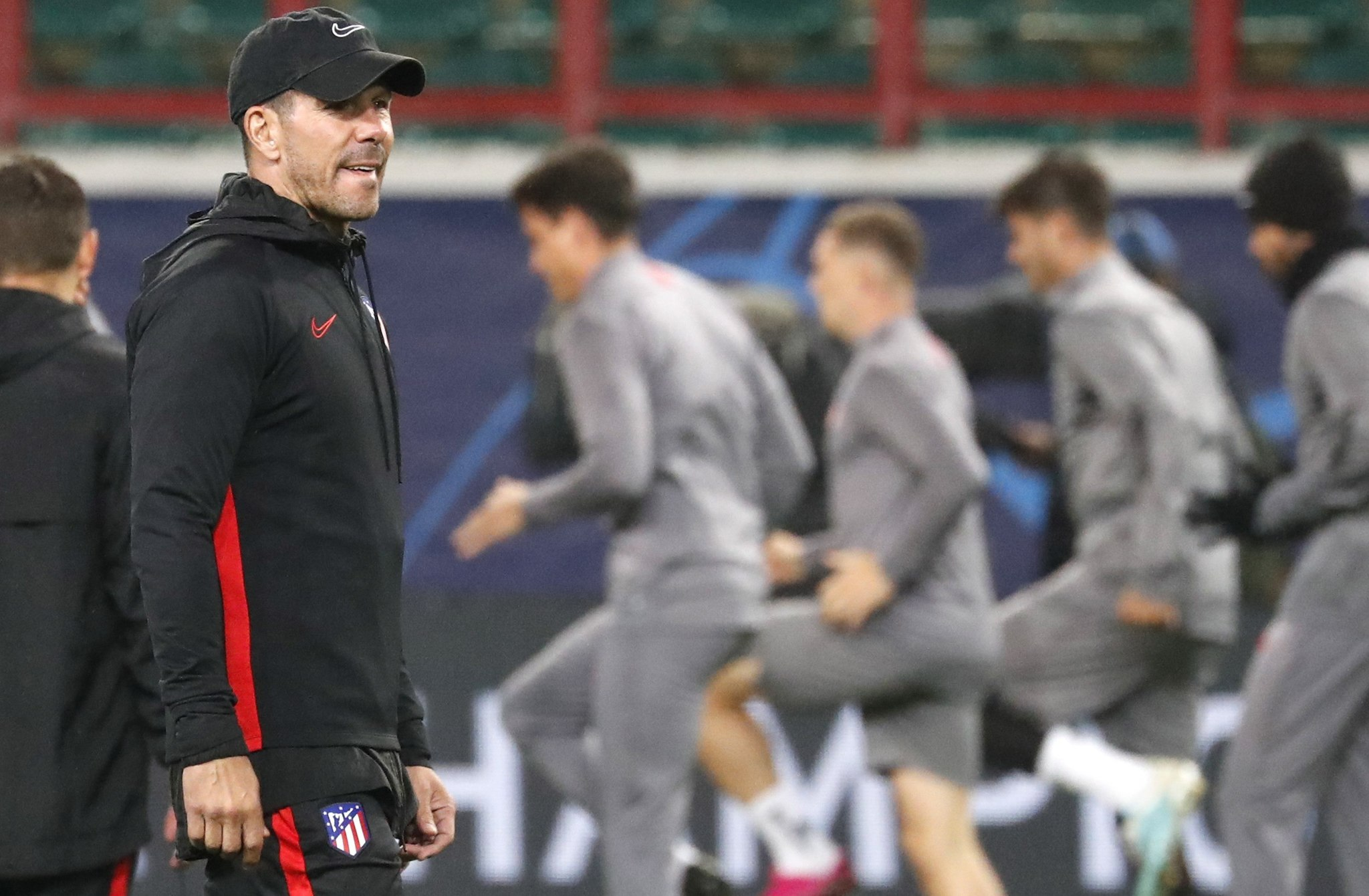 Moscow (Russian Federation), 30/09/2019.- Atletico Madrids head coach Diego <HIT>Simeone</HIT> takes part in a training session in Moscow, Russia 30 September 2019. Atletico Madrid will face Lokomotiv Moscow in a UEFA Champions League group stage match on 01 October. (Liga de Campeones, Rusia, Moscú) EFE/EPA/MAXIM SHIPENKOV