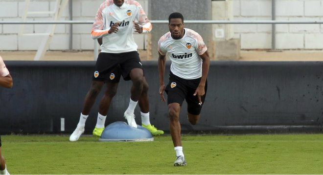 Kondogbia makes intense career in the session