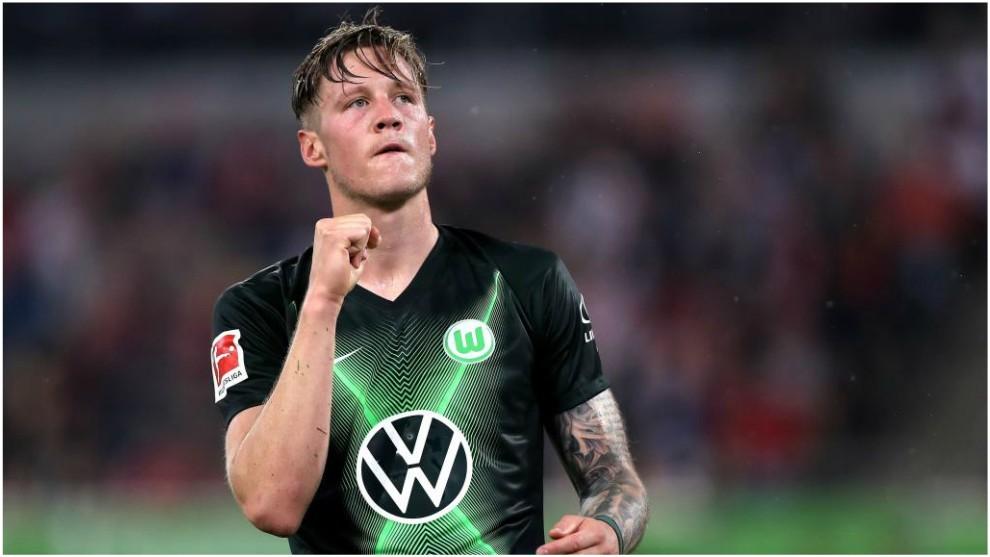 Wout Weghorst celebra un gol contra el Fortuna Düsseldorf.
