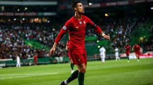 Cristiano Ronaldo (34) celebra su gol.