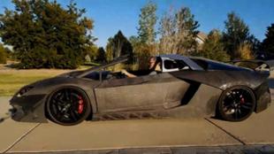 El hombre fabricó el Lamborghini mediante una impresora 3D