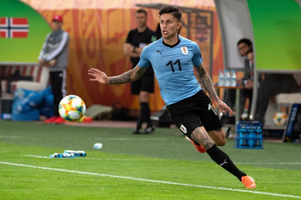 Brian Rodríguez conduce el balón ante Noruega en el Mundial sub 20.