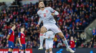 Saúl celebra el gol con el que abrió el marcador
