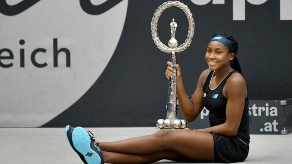 Gauff, con el trofeo de campeona en Linz