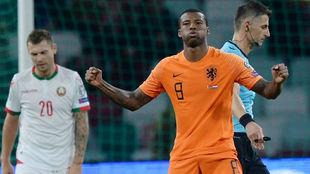 Wijnaldum (28) celebra uno de sus goles.