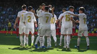 Los jugadores del Real Madrid celebran un gol esta temporada.