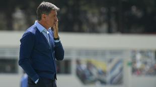 Míchel González, entrenador de los Pumas.