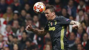 Mandzukic, en un partido de Champions con la Juventus.