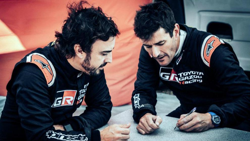 Alonso y Coma, antes de la primera carrera en la Lichtenburg 400 de...