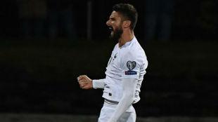 Giroud celebra su último gol con Francia.