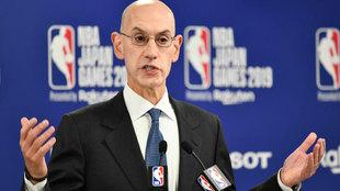Adam Silver, comisionado de la NBA, en Japón