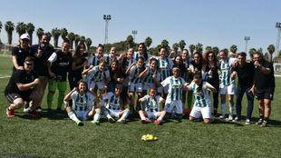 Las jugadoras del Córdoba celebran una victoria esta temporada.