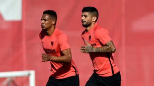 Banega, en un entrenamiento del Sevilla.