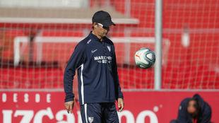 El técnico sevillista Julen Lopetegui (52), durante un entrenamiento.