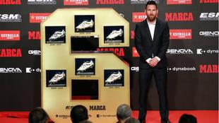 Leo Messi posa con las seis Botas de Oro.