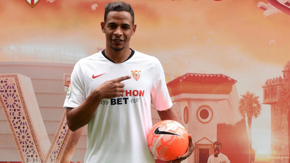 Fernando, en su presentación con el Sevilla.