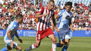 Petrovic, en una acción durante el partido ante el Lugo.