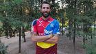 Carlos Cuellar (38), con la camiseta que lució en el cierre de su...