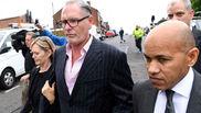 Paul Gascoigne (52), a la salida del tribunal.