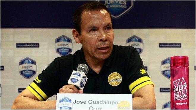 José Cruz en conferencia de prensa