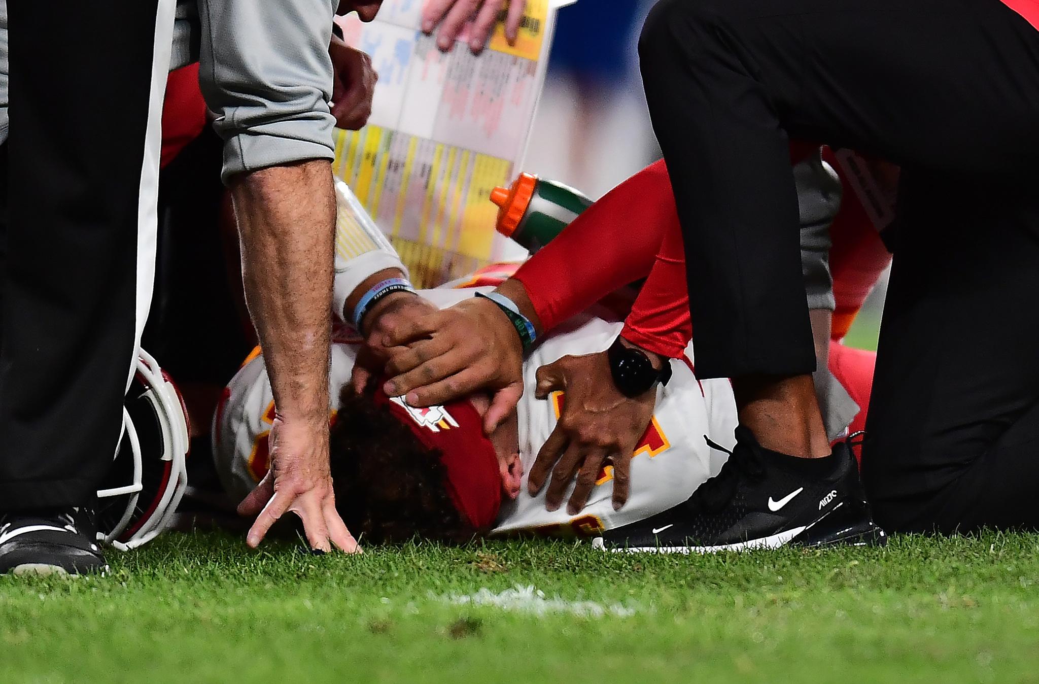 Gana Chiefs pese a lesión de Patrick Mahomes