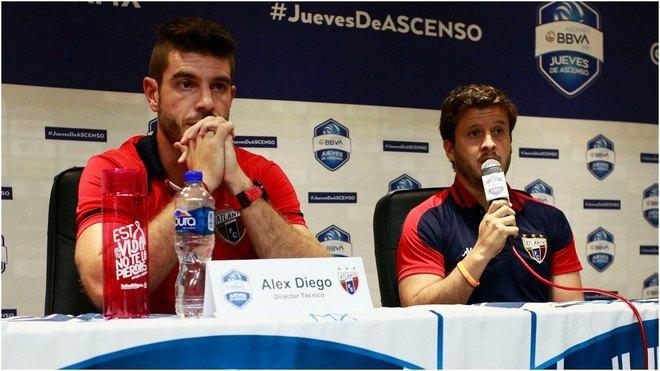 Alex Diego en conferencia