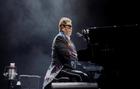 Elton John presenta 'Yo', su primera autobiografía.