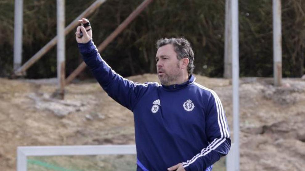 Sergio dando órdenes en un entrenamiento