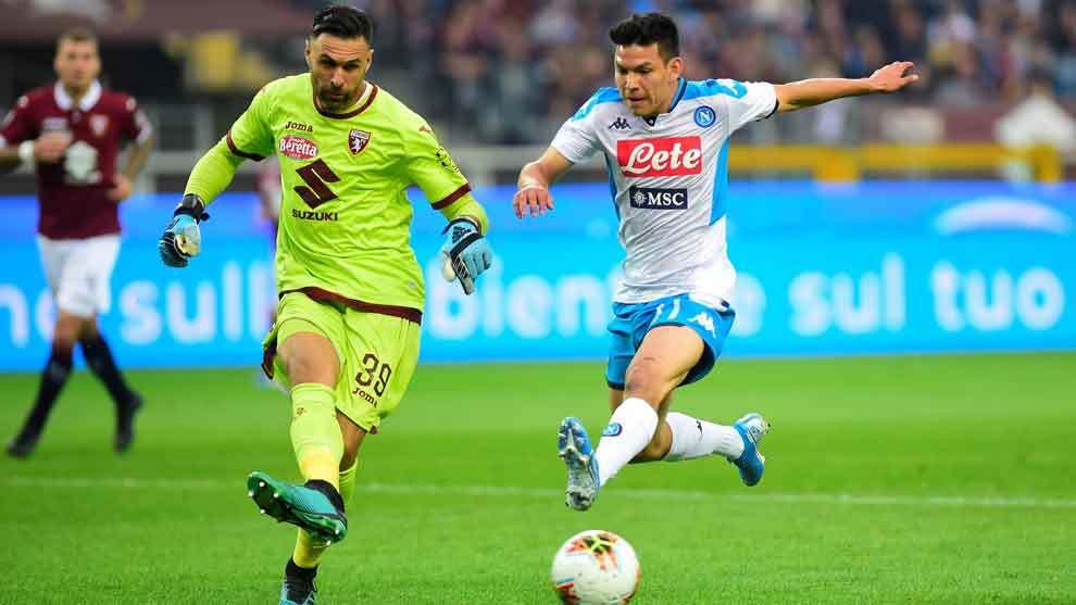 Chucky Lozano durante el juego ante el Torino