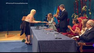 Lindsey Vonn en el momento de recibir el Premio Princesa de Asturias...