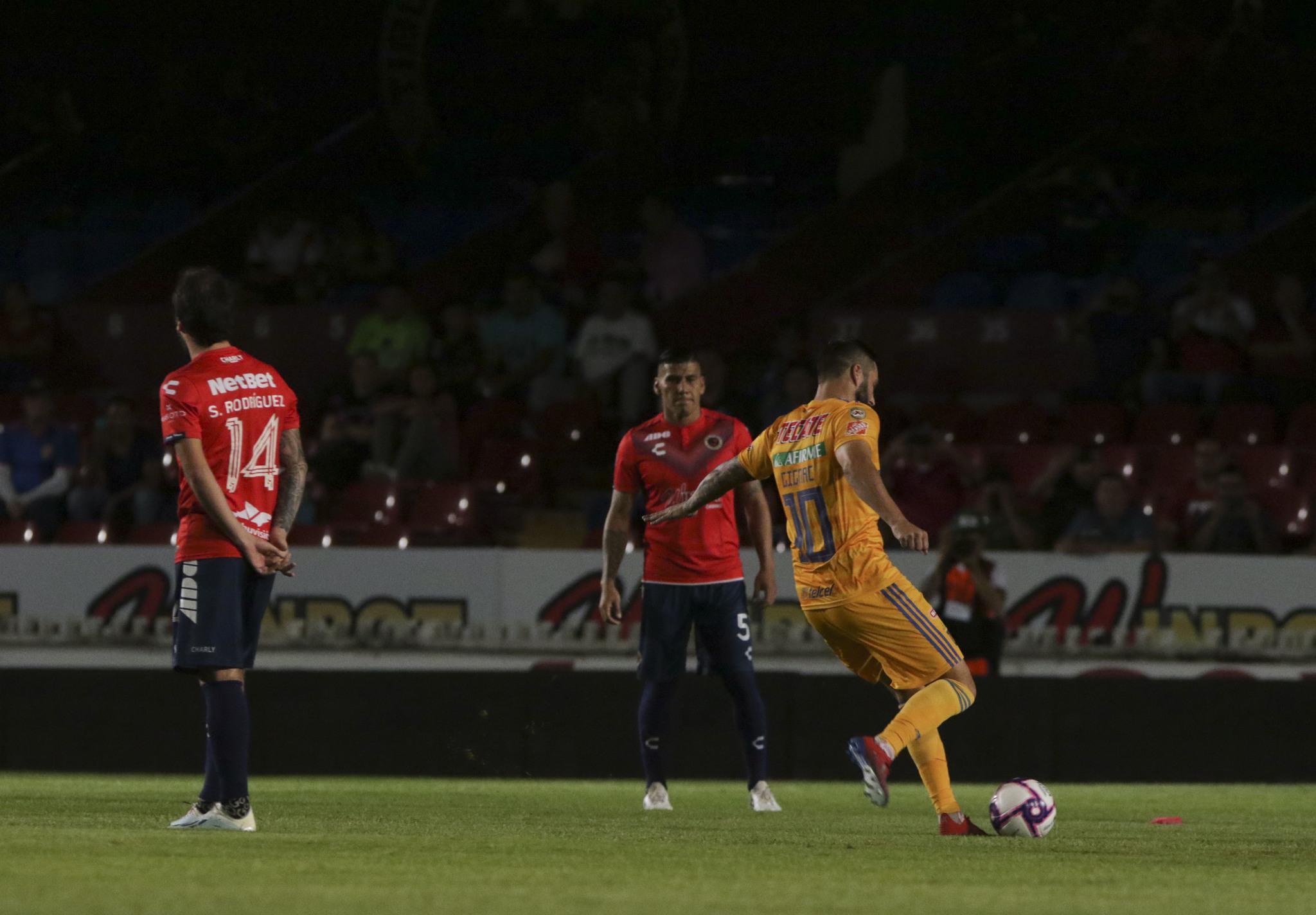 Momento de su gol en el Puerto.