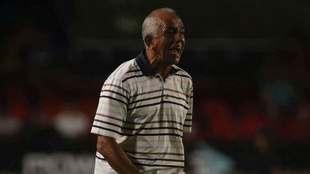 López Zarza, en acción ante Tigres.