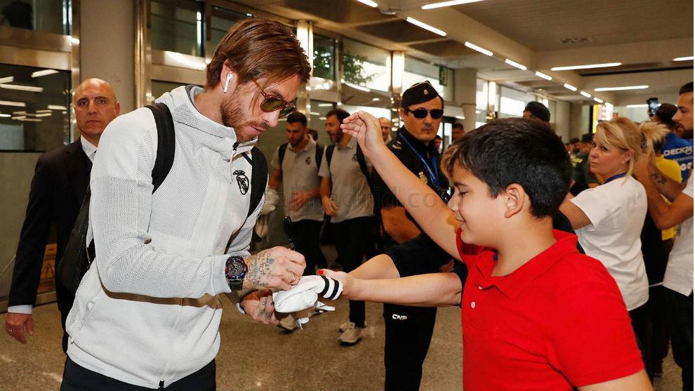 Sergio Ramos, signing aut