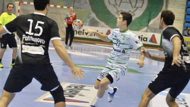 Un momento del partido entre el Anaitasuna y el Atl. Valladolid /