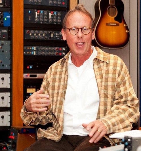 Jim Johnstone en su estudio de grabación