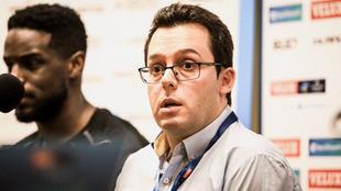El técnico asturiano Jacobo Cuétara en rueda de prensa /
